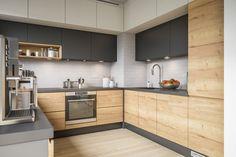 Black Kitchen Countertops, Modern Kitchen Cabinets, Kitchen Furniture, Kitchen Room Design, Modern Kitchen Design, Interior Design Kitchen, Kitchen Decor, Cheap Kitchen Makeover, Cuisines Design
