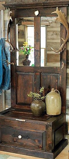 Rustic Home Decor - Nov - Canadian Log Homes Western Decor, Country Decor, Rustic Decor, Repurposed Furniture, Rustic Furniture, Distressed Furniture, Furniture Projects, Home Furniture, Old Doors