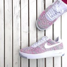 Sneakers femme - Nike Air Force 1 Flyknit (©theliveitup)