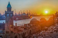 Sonnenuntergang an den Hamburger Landungsbrücken   Bildschönes Hamburg
