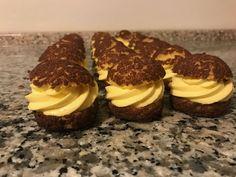 Profiteroles, Eclairs, Mini Desserts, Healthy Desserts, Delicious Desserts, Sweet Recipes, Cake Recipes, Dessert Recipes, Choux Buns