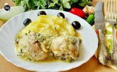 Гедлибже — блюдо кабардинской кухни. Очень простое, сытное и вкусное во многом благодаря изумительному соусу из жареного лука и сметаны...