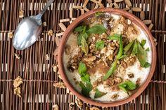 Σπιτικό γιαούρτι από τον Άκη Πετρετζίκη. Με μόνο τρία υλικά μπορείτε να φτιάξετε το δικό σας γιαούρτι. Φτιάξτε το για να έχετε ένα σπιτικό και θρεπτικό γιαούρτι