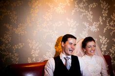 "A foto de Emanuelle Rigoni foi vencedora na categoria ""Evento"" do 3º Concurso Fotografia de Casamento, em 2014. Hera, Paulistano, Couple Photos, Couples, Wedding Photography, Pictures, Couple Shots, Couple, Couple Pics"