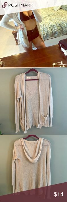 Beach cream sweater Super easy to throw over your suit and go to the pool or beach, or you could dress it up and wear it out to lunch! Options are endless, great condition! Hollister Sweaters Cardigans