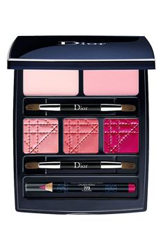 Dior Holiday Lip Palette: It's the Femme Fun look this year. I like the focus on the lips look. Dior Lipstick, Dior Makeup, Makeup Cosmetics, Eye Makeup, Makeup Geek, Rimmel, Maybelline, Dior Beauty, Tips Belleza