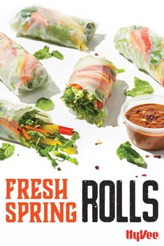 These spring rolls taste fresh, but you're going to want to put the sauce on everything. Easy Spring Rolls, Fresh Spring Rolls, Seafood Recipes, Cooking Recipes, Healthy Recipes, Quick Easy Meals, Easy Dinner Recipes, Easy Summer Dinners, Healthy Chicken Dinner