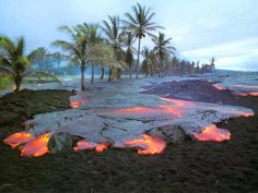 Top 10 Hawaiian Beaches | Top 10 Most Dangerous Beaches In The World, Kilauea, Hawaii