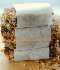 Sugar Free and Grain Free Granola Bars. So simple to make. Just throw everything in the blender and you have a fabulous nutritious snack. Gluten free, no added sugar, grain free, wheat free and health Low Carb Sweets, Low Carb Desserts, Low Carb Recipes, Real Food Recipes, Snack Recipes, Granola Bar Recipes, Breakfast Recipes, Freezer Recipes, Breakfast Options