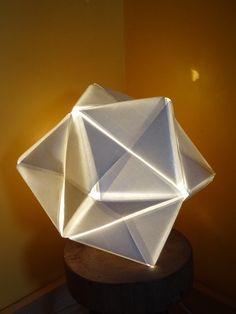 Lampe Origami star ! à partir d'une vieille lampe