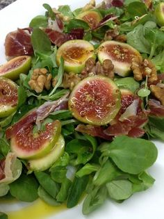 Fig and wallnut salad Salad Recipes For Dinner, Summer Salad Recipes, Easy Salad Recipes, Easy Salads, Healthy Salads, Raw Food Recipes, Veggie Recipes, Vegetarian Recipes, Cooking Recipes