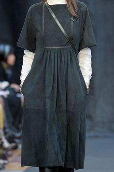 131 details photos of Hermès at Paris Fashion Week Fall 2012.