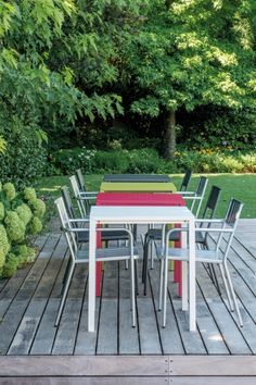 Table design empilable en métal - Sledge