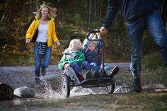 """Mit Kids in jedes Gelände – der YippieYo ist der stylische """"Crossbuggy"""" für anspruchsvolles Terrain."""