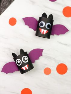 Make these easy toilet paper roll bats for Halloween! They're a simple DIY craft that's great for preschool, kindergarten and elementary aged children. They come with a free printable template so they're easy to recreate at home or at school. #simpleeverydaymom #kidscrafts #craftsforkids #kidsactivities #halloweenactivities #halloween #halloweencraftsforkids #batcrafts #toiletpaperrollcrafts #kidsandparenting #ece #earlychildhood Halloween Crafts For Kids, Paper Crafts For Kids, Halloween Activities, Holiday Crafts, Halloween Decorations, Toilet Paper Roll Bat, Toilet Roll Craft, Superman Crafts, Olaf Craft