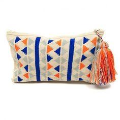 Birbirinden şık örgü clutch modelleri | 20 Crochet Wallet, Crochet Clutch, Crochet Purses, Wiggly Crochet, Diy Crochet, My Style Bags, Tapestry Crochet Patterns, Tapestry Bag, Fabric Purses