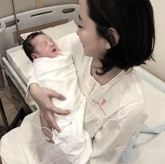 Girl Ulzzang and baby