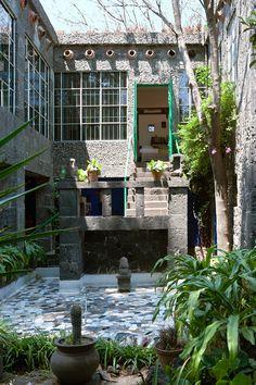 Escalinata - AD España, © Belén Imaz Entrada al dormitorio de Frida. Foto Belén Imaz