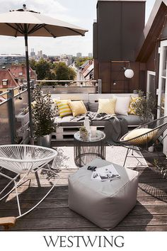 Pin & win a € 1000 voucher for WestwingNow Terrasse Design, Balkon Design, Diy Outdoor Furniture, Patio Furniture Sets, Outdoor Decor, Rooftop Terrace Design, Small Balcony Decor, Apartment Balconies, Furniture Arrangement
