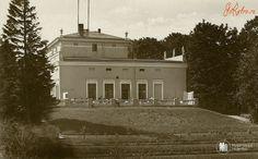 Янтарный - Пальмникен — Янтарный. Шлосс отель. Фото ок. 1930 года — in Palmnicken, Russia.