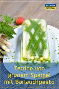 Mal was anderes: Eine Terrine aus grünem Spargel. Lecker dazu: Ein selbstgemachtes Bärlauchpesto! Grün in grün dem Frühling entgegen... #spargel #spargelrezepte #bärlauch #bärlauchpesto Celery, Food Blogs, Vegetables, Easy Starters, Diy Home Crafts, Easy Meals, Food Food, Vegetable Recipes, Veggies