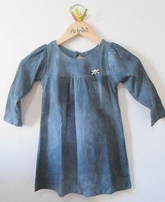Vestido tie dye grafite M/L com broche de caveira de strass  R$78.00