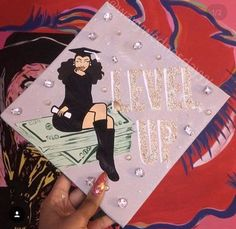 Struggling to figure out how to decorate a graduation cap? Get some inspiration from one of these clever DIY graduation cap ideas in These high school and college graduation cap decorations won't disappoint! Disney Graduation Cap, Funny Graduation Caps, Graduation Cap Toppers, Graduation Cap Designs, Graduation Cap Decoration, Graduation Diy, Grad Cap, Graduation Photoshoot, Graduation Pictures