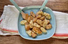 Golosi gnocchi di patate e zucca conditi con panna acida, miele e cannella
