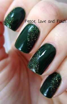 simply but I love it - Christmas Greens Tape Mani (c) Peace, Love & Polish