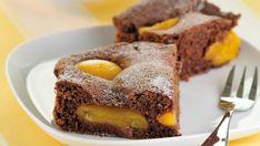 Čokoládový kolač s meruñkami Sans Lactose, Gluten Free Cakes, Saveur, Sweet Cakes, Protein, Muffin, Food And Drink, Breakfast, Glutenfree