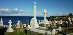Waverly Cemetery on the Coastal Track in #Sydney has beautiful views and a peaceful atmosphere. #Australia