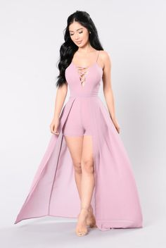 45 Ideas Fashion Nova Romper Pink Source by Sexy Outfits, Cute Outfits, Fashion Outfits, Fashion Nova Dresses, Pink Fashion, Fashion Models, Fashion Show, Fashion Design, Fashion Fashion