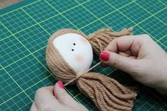 1 million+ Stunning Free Images to Use Anywhere Felt Crafts Dolls, Yarn Crafts, Fabric Doll Pattern, Fabric Dolls, Doll Wigs, Doll Hair, Tiny Dolls, Soft Dolls, Doll Clothes Patterns