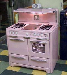 Vintage Decor, Vintage Pink, Vintage Furniture, Modern Furniture, Furniture Design, Vintage Stuff, Old Stove, Stove Oven, Vintage Stoves