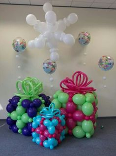 christmas decoration made of balloons