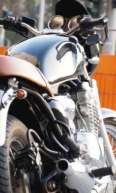 Triumph Thunderbird 900 Triumph Thunderbird 900, Triumph Motorcycles, Vintage Motorcycles, Custom Motorcycles, Motorcycle Design, Motorcycle Outfit, Motorcycle Accessories, Custom Street Bikes, Cafes