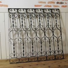 Iron Window Grill, Window Grill Design Modern, House Window Design, Grill Door Design, Fence Gate Design, Iron Gate Design, Railing Design, Wrought Iron Staircase, Wood Chair Design