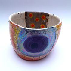 Simple form, complex surface pot © Linda Styles Ceramics 2014