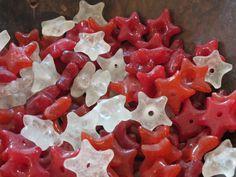 Star beads of recycled glass, Ghana.