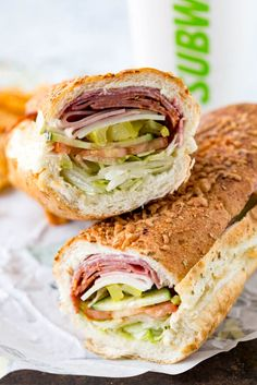 Italian Hero Sandwich from Subway - Sandwich Recipes Deli Sandwiches, Sandwich Bar, Salami Sandwich, Roast Beef Sandwich, Sandwich Toaster, Sandwich Fillings, Sandwiches For Lunch, Delicious Sandwiches, Soup And Sandwich
