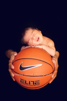 This is my friend's lil boy! Isn't he the cutest?!?! I love his smile! http://reynadenisephotography.com/blog/ New born. Basketball. Baby.