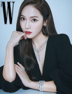 Jessica & Krystal, Jessica Jung, Krystal Jung, Beautiful Asian Girls, Beautiful People, Golden Star, Fashion Brand, Fashion Design, Sooyoung