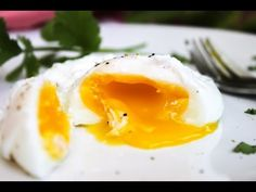 How to Make Perfect Poached Eggs - YouTube