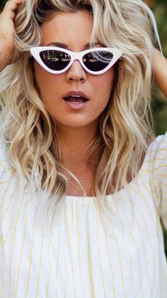 fearsome wallpaper Pretty sunglasses beautiful Kaley Cuoco 7501334 wallpaper Beautiful Celebrities, Gorgeous Women, Kaley Cucco, Wwe Female Wrestlers, Making Love, Celebrity Wallpapers, Brunette Beauty, Blonde Women, Celebrity Crush