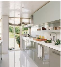 Galley Kitchen Remodel Ideas (Small Galley Kitchen Design, Makeovers, and Plans) Small Kitchen, Galley Kitchen Remodel, Kitchen Room, Kitchen Remodel, Kitchen Decor, Modern Kitchen, Contemporary Kitchen, Home Kitchens, Kitchen Design