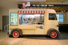 Westfield Mall Retail provides shopping experiences with local, regional, and national brands. Learn more about the Westfield Mall Retail experience. Ice Cream Car, Ice Car, Kiosk Design, Cafe Design, Westfield Mall, Mall Kiosk, Small Desserts, Soft Serve, New Jersey