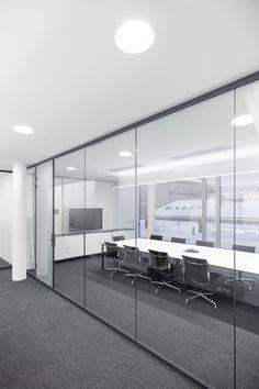 Top Modern Office Design Trends – Modern Home Design Studio Office, Corporate Office Design, Office Interior Design, Office Interiors, Office Designs, Glass Wall Design, Modern Office Decor, Office Pictures, Glass Office