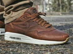 - shoes for men - chaussures pour homme - sneakers - boots - sneakershead - yeezy - sneakerspics - solecollector -sneakerslegends - sneakershoes - sneakershouts - Nike Air Max 1 ID Pendleton British Tan Nike Free Shoes, Nike Shoes, Sneakers Nike, Work Sneakers, Lacoste Sneakers, Sneakers Style, Grey Sneakers, Casual Sneakers, Leather Sneakers