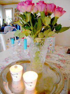 ruusuja ja tuikkuja kevätväreissä