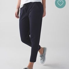 Lululemon jet crop slim Navy pant. Super cute. Sold out online lululemon athletica Pants Capris